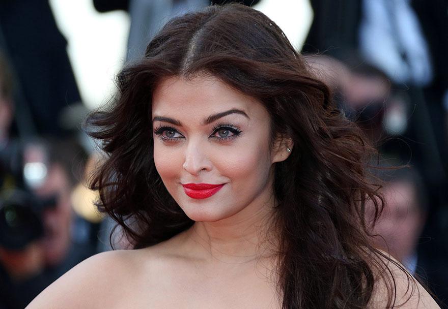 LOOK: Aishwarya Rai, Then And Now | Miss world, Aishwarya