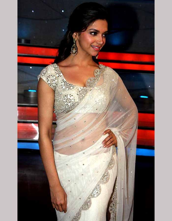Deepika Padukone Poses In Sexy Saree - More Indian Bollywood Actress And Actors-3150