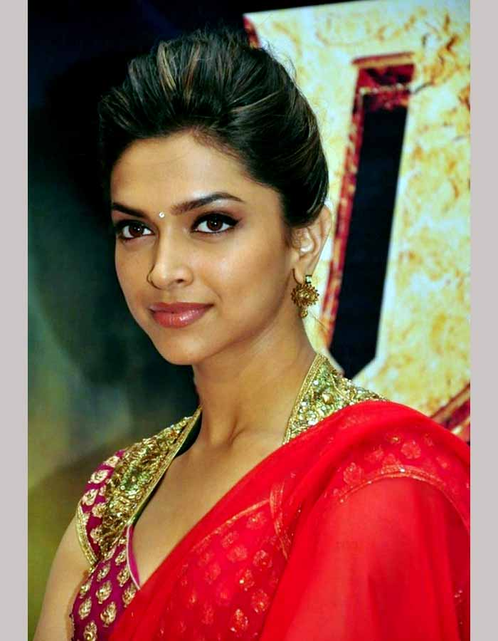 Deepika Padukone Poses In Sexy Saree - More Indian Bollywood Actress And Actors-1163