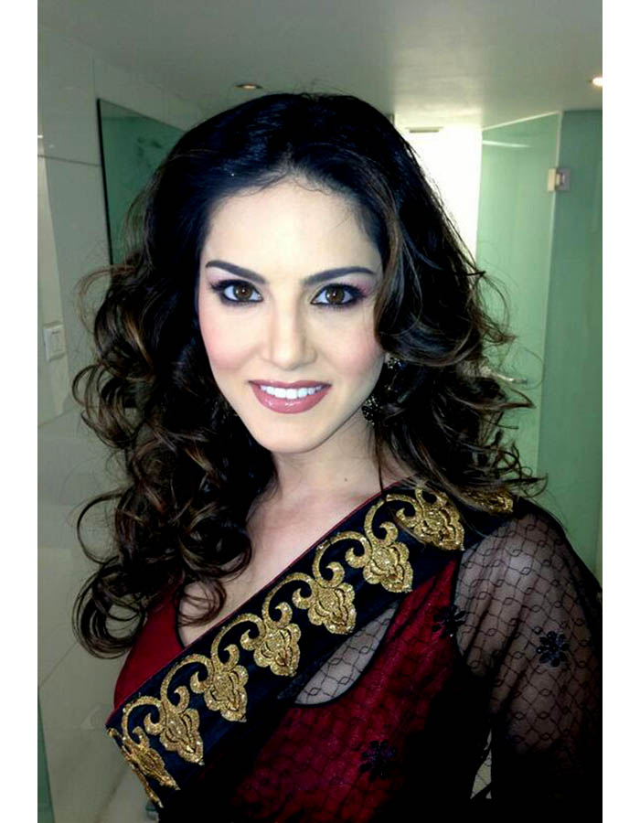 Sunny Leone In Saree - More Indian Bollywood Actress And Actors-6529