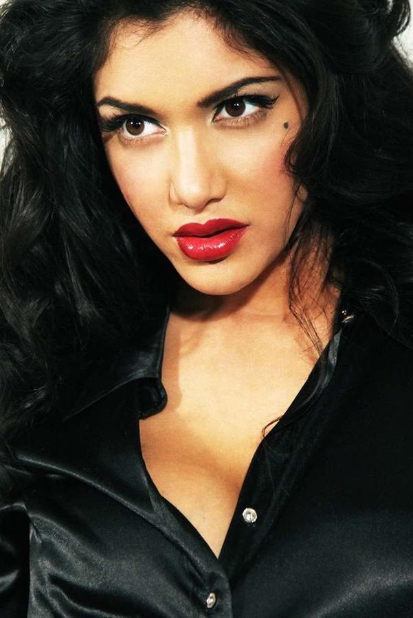 British Indian pornographic actress Leah Jaye - More