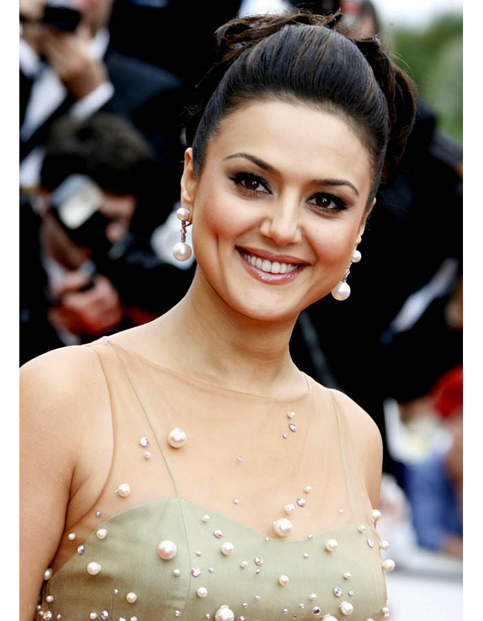 Top 5 most luxurious Bollywood actresses - More Indian ...