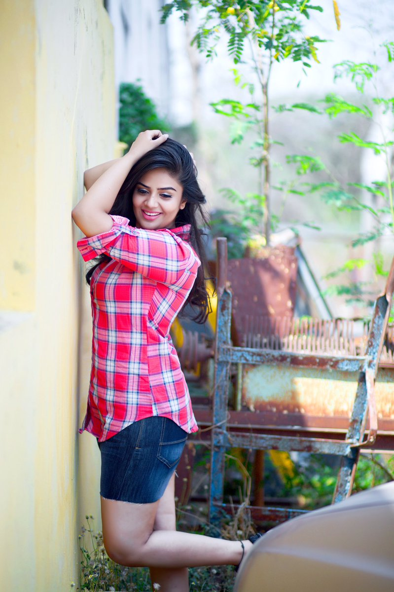 Sreemukhi Elegant Photos - More Indian Bollywood Actress And Actors