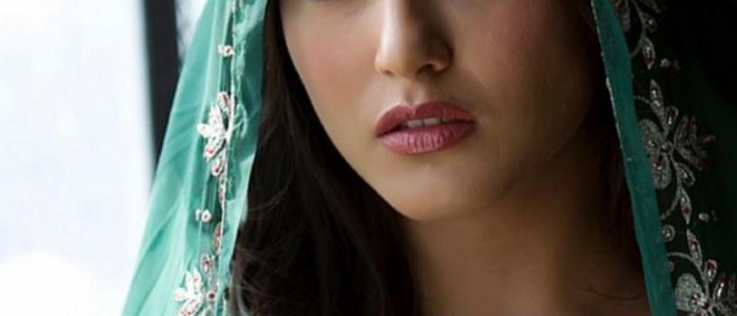 Sunny Leone in Green Saree