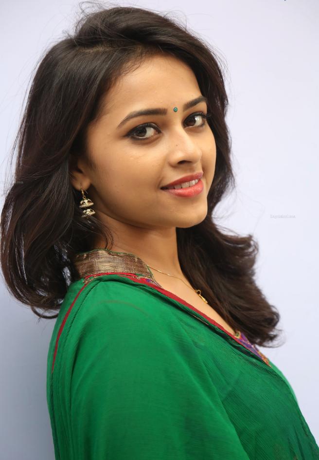Sri Divya New Photos Hd, Telugu Actress Hot Photos - More Indian Bollywood Actress -6725