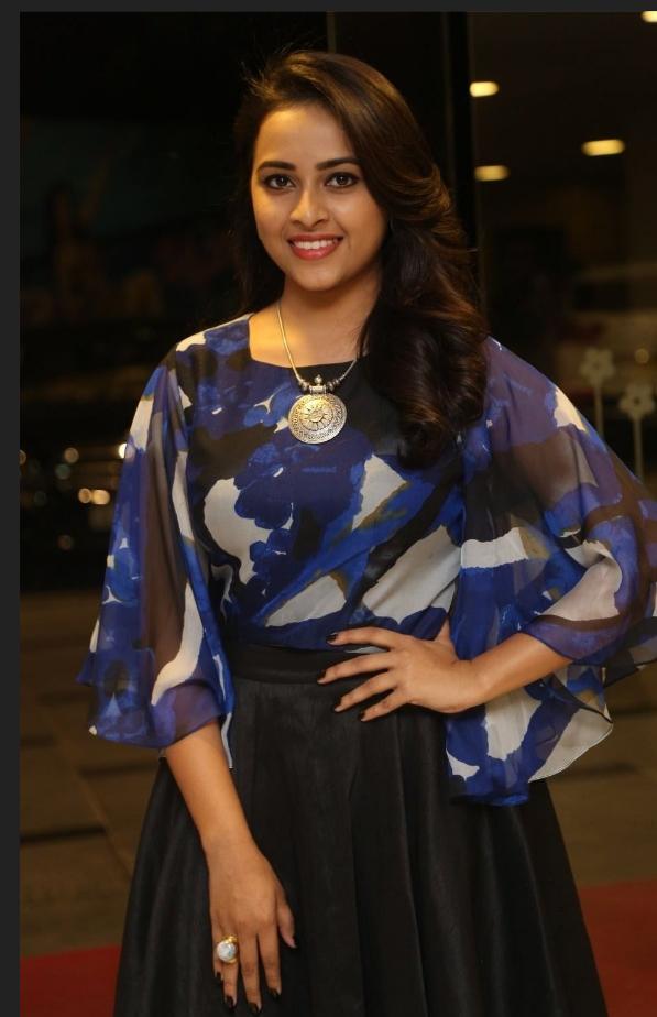 Sri Divya New Photos Hd, Telugu Actress Hot Photos - More Indian Bollywood Actress -8733